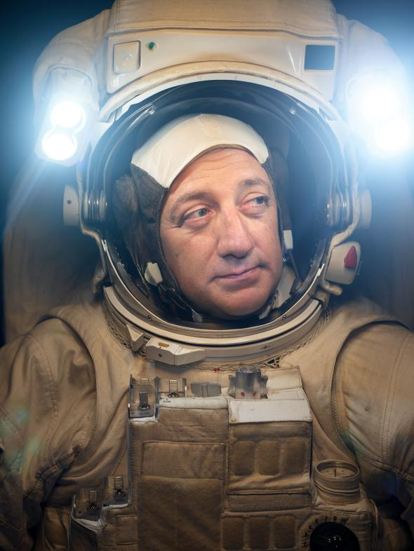 astronauts-mike-massimino-new-york-city-martin-schoeller.adapt.590.1
