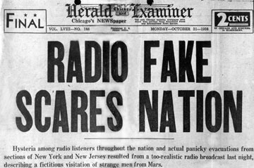 Chicago Herald Examiner about War of the Worlds broadcast